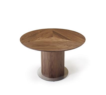 Skovby sm32 spisebord   et rundbord i træ med unik udvidelsesplade