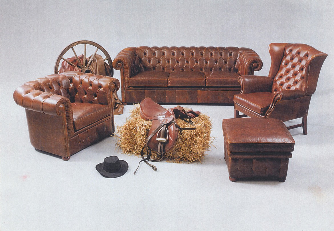 original chesterfield sofa i klassisk l der og solid kvalitet. Black Bedroom Furniture Sets. Home Design Ideas